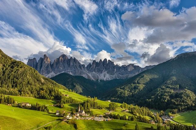 Доломитовые Альпы фон фото