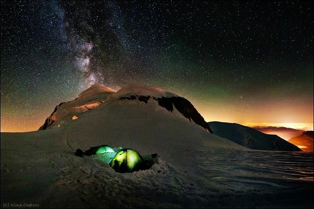 звездздное небо над Альпам снег