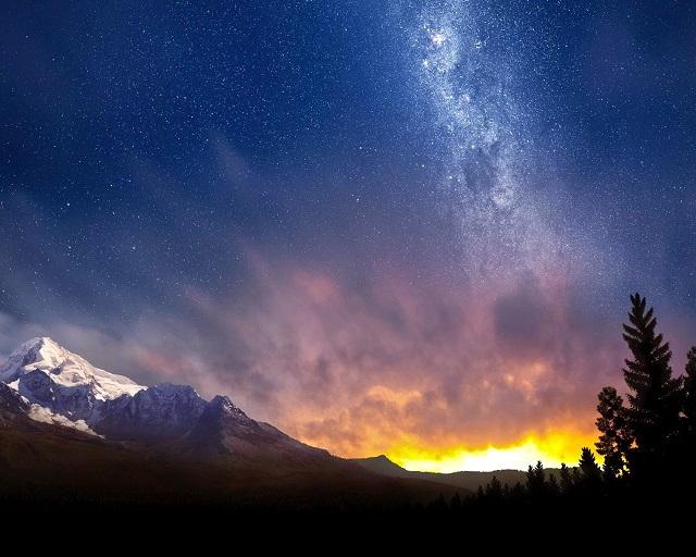 звездздное небо над Альпам закат