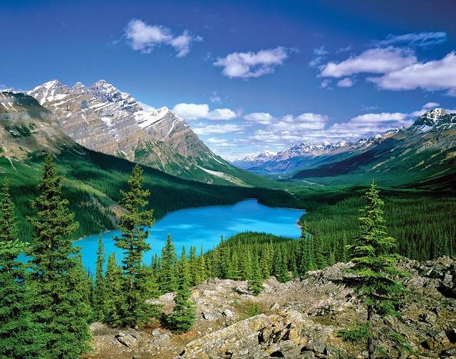 Национальный парк Банф является старейшим национальным парком Канады.